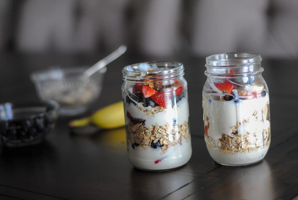Easy recipe for kids: yogurt parfaits