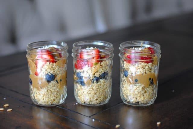 Make ahead chocolate quinoa breakfast porridge jars