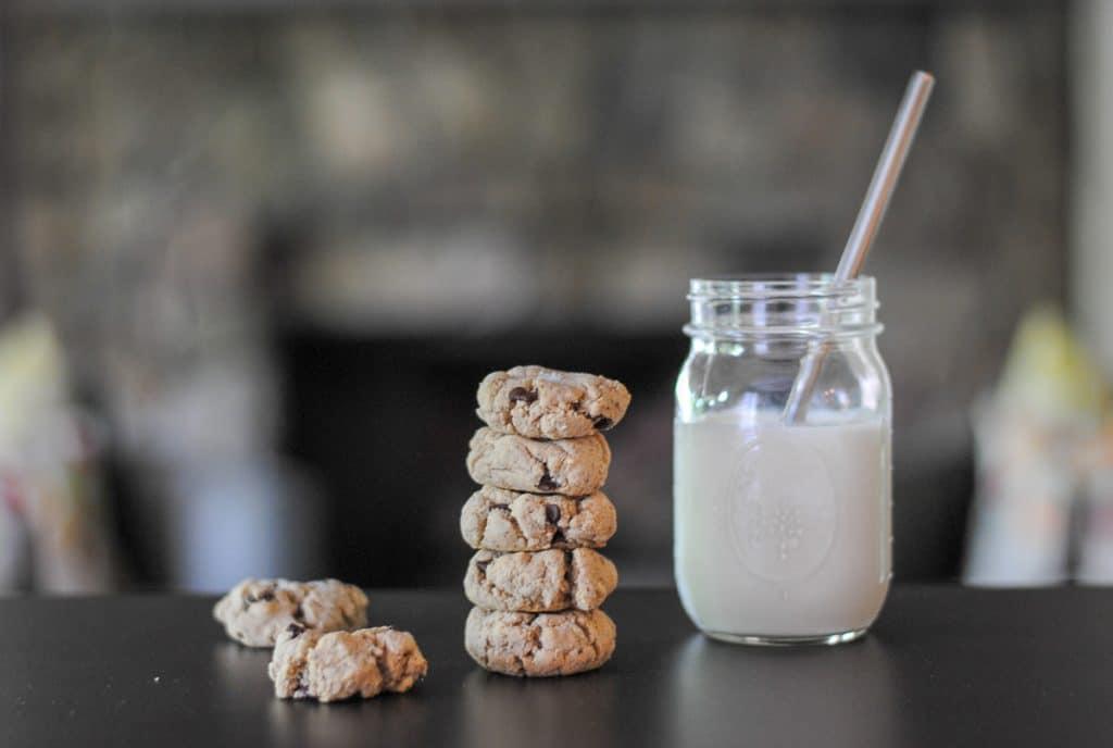 Salted Chocolate Chip Tahini Cookies: grain free cookies