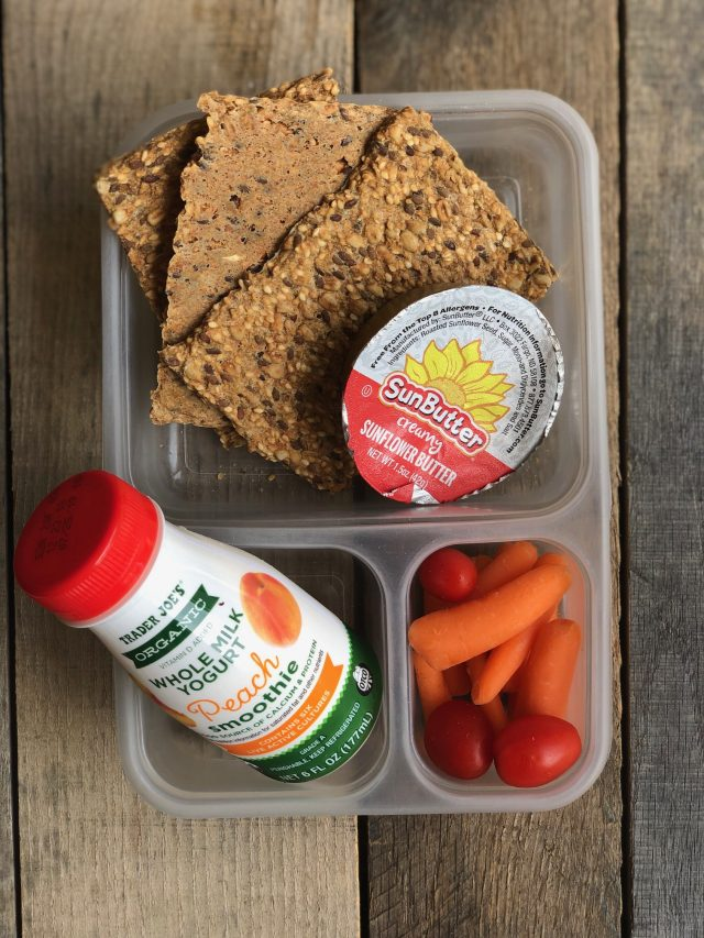 Simple School Lunches - crackers and sunflower seed butter, veggies and an organic smoothie. #healthylumch