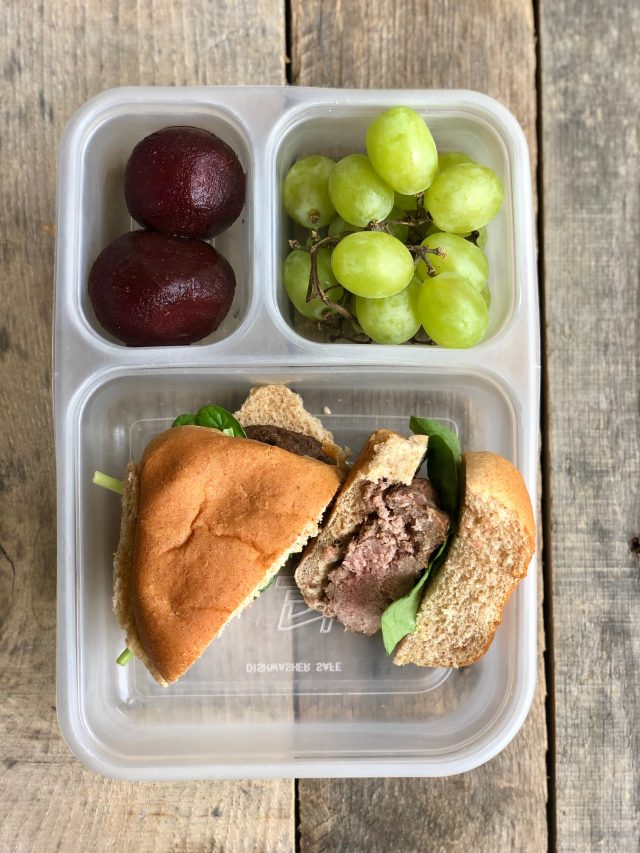 10 Simple School Lunches from Trader Joe's - burger on a bun with spinach, grapes, roasted beets. #healthykids #kidslunch #traderjoessnack