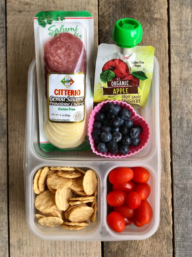 10 Simple School Lunches from Trader Joe's - salami & cheese snack pack, applesauce, gluten free crackers, tomatoes and blueberries. #healthykids #healthytraderjoes
