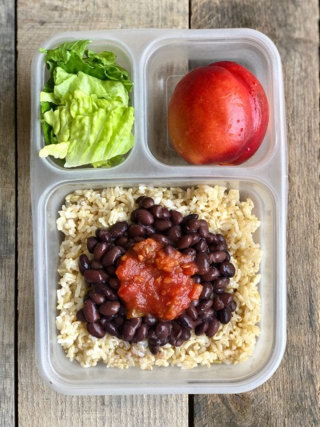 10 Simple School Lunches from Trader Joe's - brown rice, beans, salsa, a nectarine and romaine. #healthykids #schoollunch