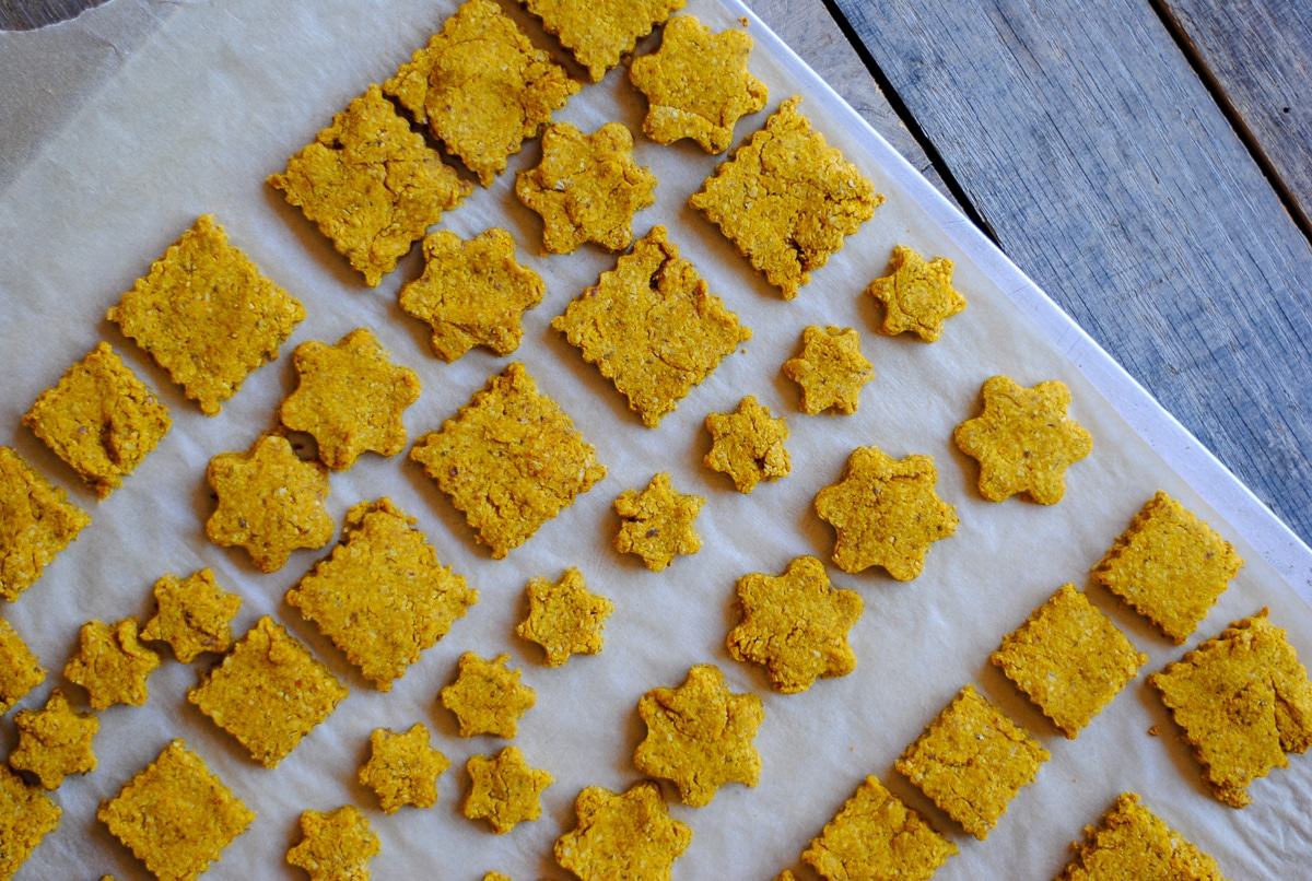 Easy Homemade Dog Treats With Rolled Oats And Peanut Butter Easy Real Food