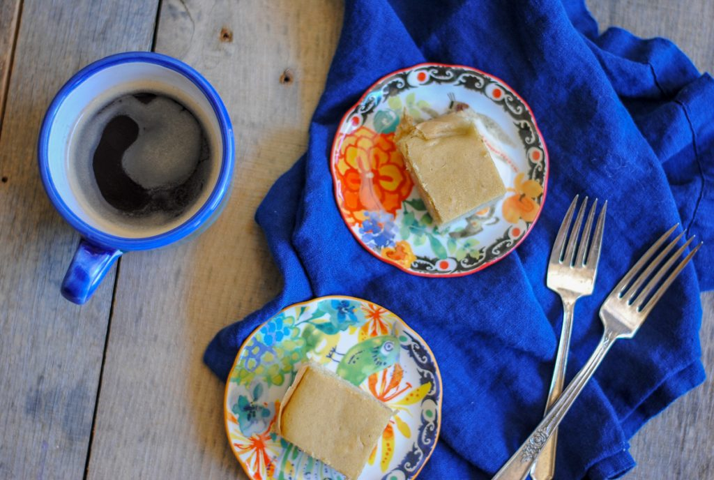 Easy low carb almond cake