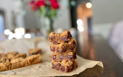 Grain-free Chocolate Chip Cookie Bars (Paleo)